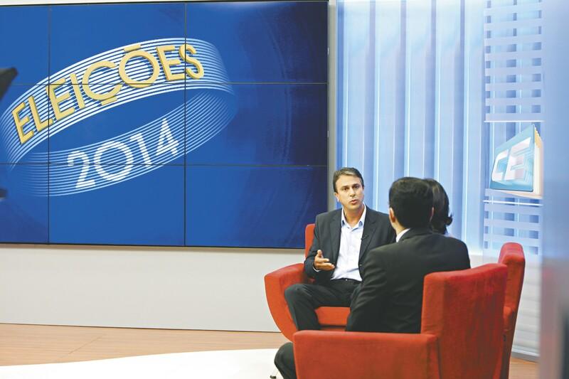 O candidato Camilo Santana participou de entrevista, ontem, na TV Verdes Mares e em outros veículos do Sistema Verdes Mares