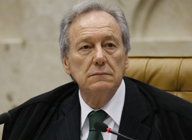 Como presidente da República, Lewandowski assinou a promulgação de acordos bilaterais