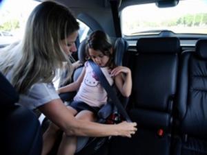 Segundo o Inmetro, as cadeiras com cinco pontos garantem maior segurança às crianças