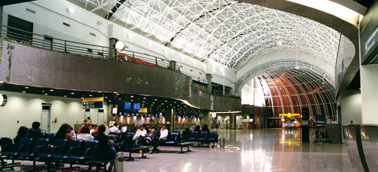 aeroporto - [Brasil] Aeroporto de Fortaleza medirá temperatura de viajantes vindos de Serra Leoa, Guiné e Libéria Image