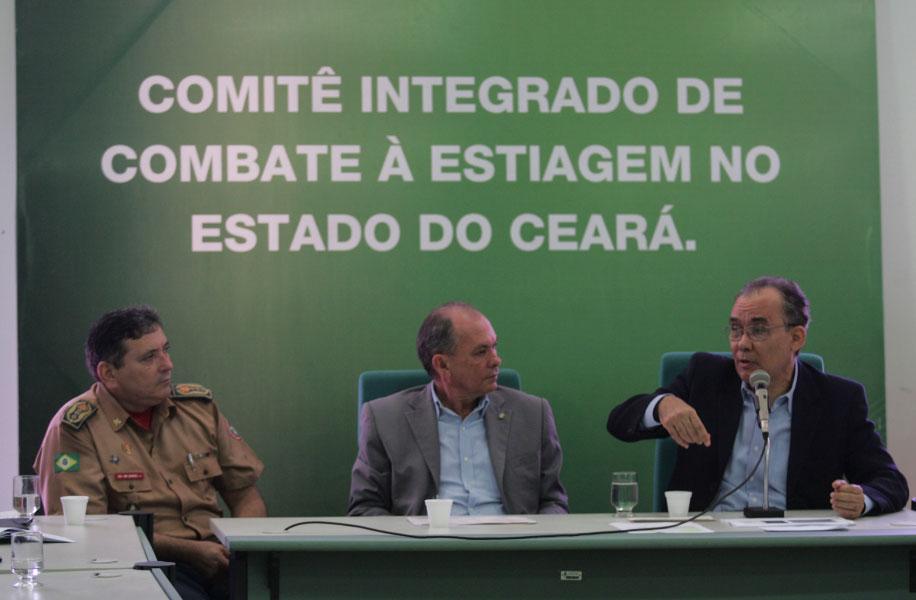 Durante reunião, titular do Ministério da Integração Nacional ressaltou que o governo vem atuando em três frentes para minimizar os problemas ocasionados pela estiagem
