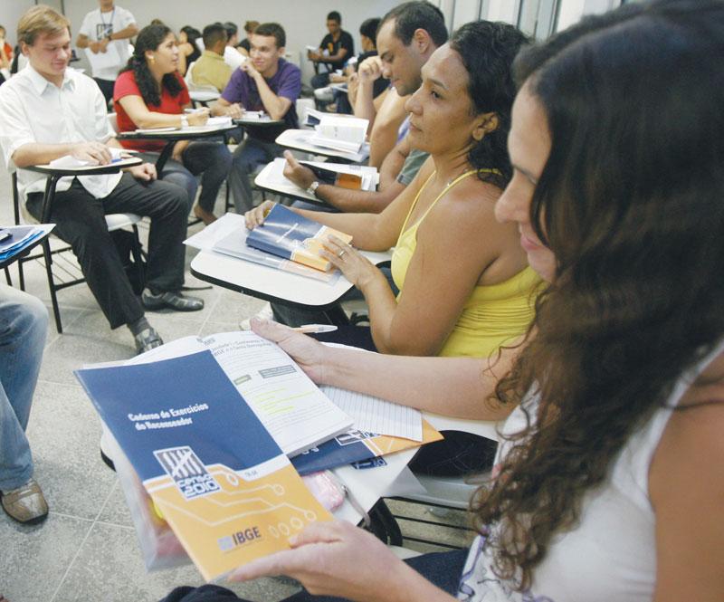 O Instituto Brasileiro de Geografia e Estatística tem atribuições ligadas às geociências e estatísticas sociais, demográficas e econômicas, o que inclui realizar censos e organizar as informações obtidas nesses censos