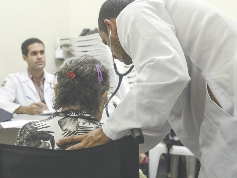 O coordenador do Hospital Universitário Walter Cantídio atribui os resultados positivos ao trabalho da equipe interdisciplinar que, conforme ele, fica de prontidão 24 horas por dia