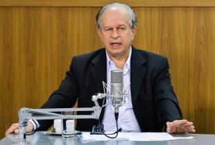 Ministro havia afirmado que todos os contratos do Fies seriam renovados