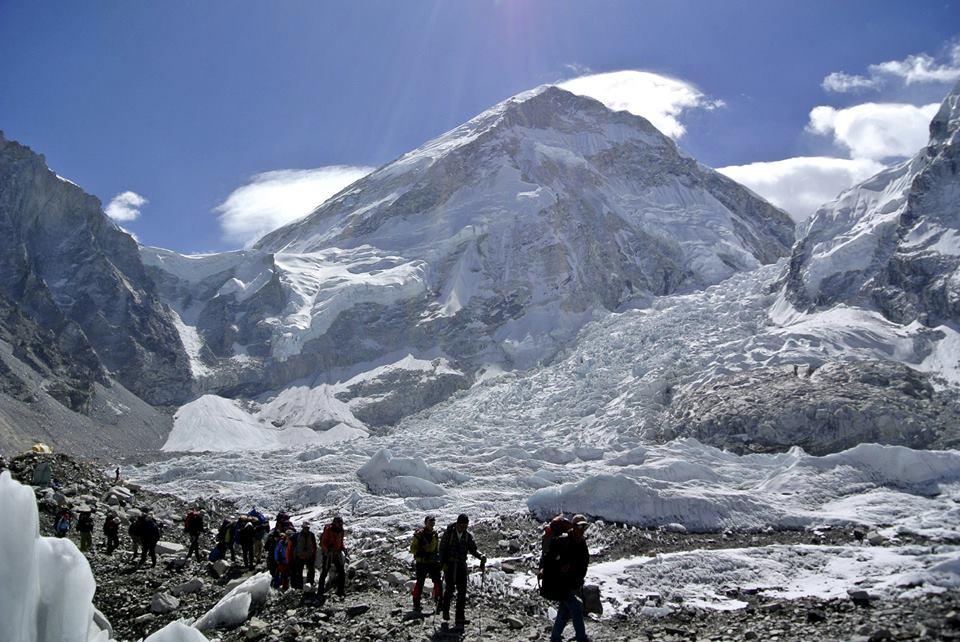 Vários montanhistas morreram com as avalanches. Foto: Reuters