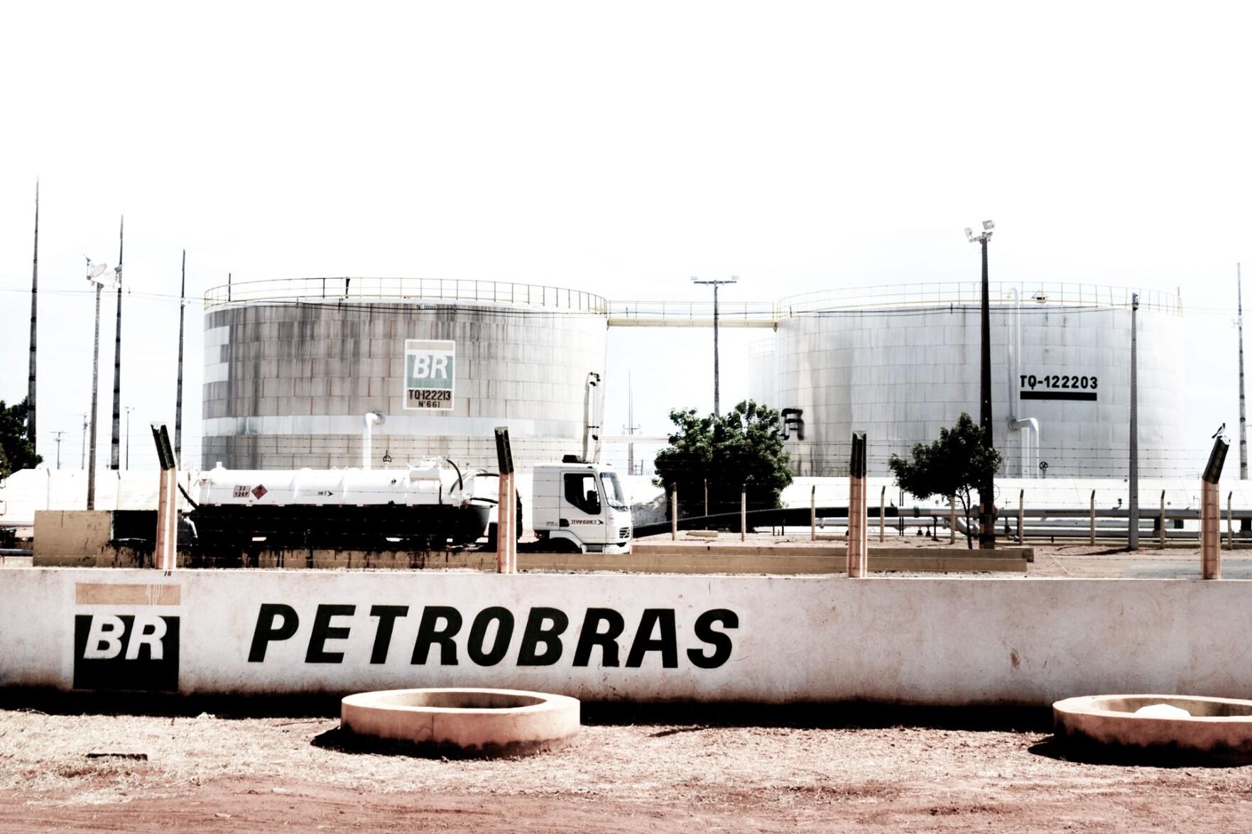 Resultado de imagem para Setor de postos quer mudanças no ICMS após ser atingido por política de preços da Petrobras