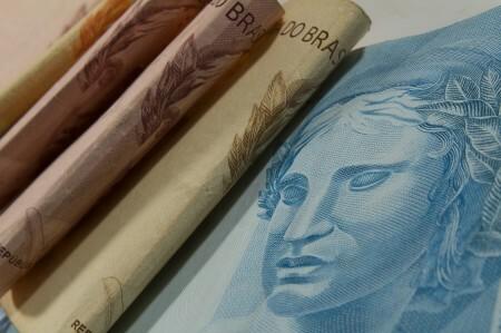 Receita paga lote residual do Imposto de Renda nesta segunda