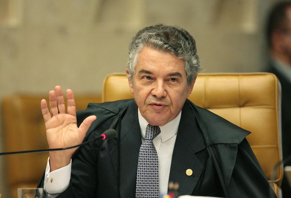 Ministros do STF divergem sobre julgamento de foro