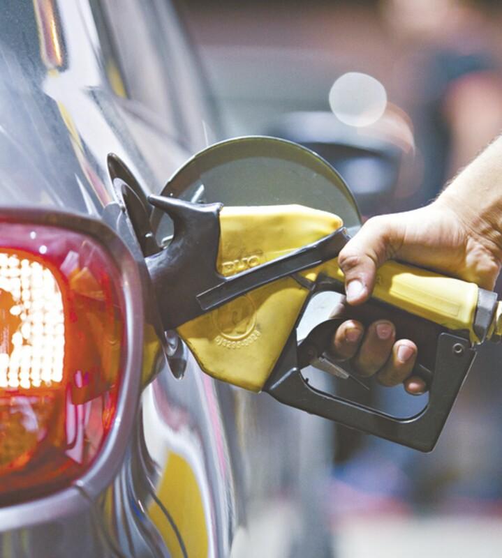 Preço médio da gasolina no CE é 3º maior do País