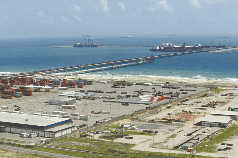 Coreanos vêm ao Ceará negociar usina de GNL