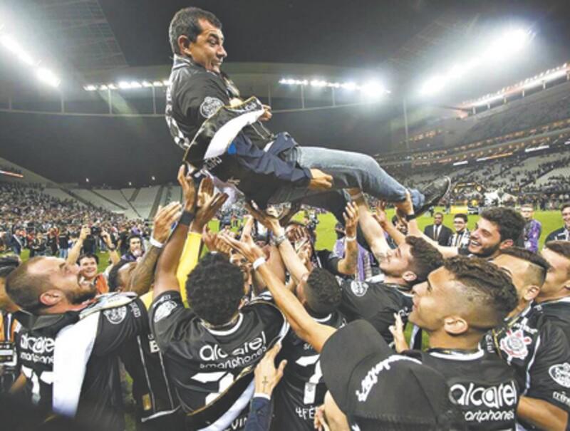 Corinthians campeão com sobras