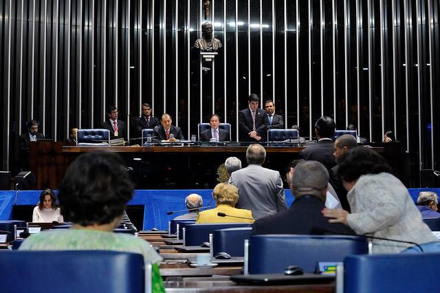 Comissão do Senado aprova eleições diretas em caso de saída de Temer