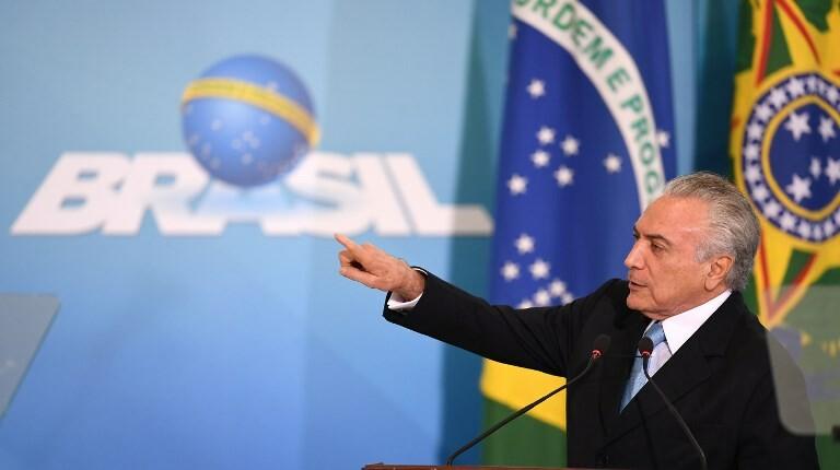 Temer edita MP que garante foro a Moreira Franco