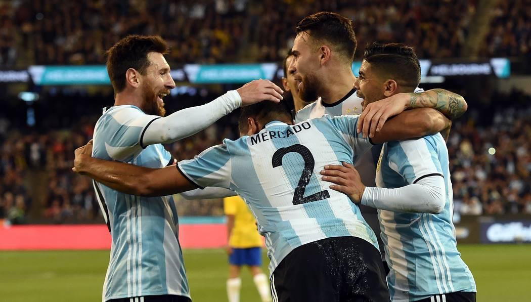 Na estreia de Sampaoli, Argentina bate Brasil e impõe 1ª derrota da 'Era Tite'