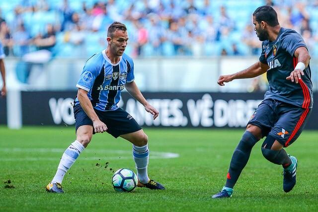 Grêmio goleia Sport Recife e diminui distância para Corinthians — Brasileirão