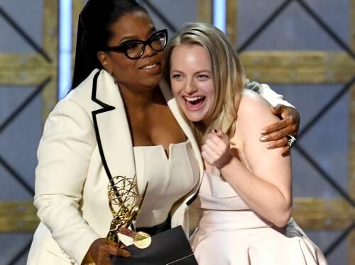 Hulu ganha Emmy de melhor série de drama com The Handsmaid's Tale