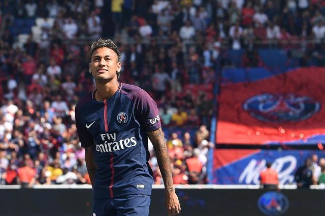 Após pênalti não batido, Neymar deixa de seguir Cavani no Instagram - Esportes