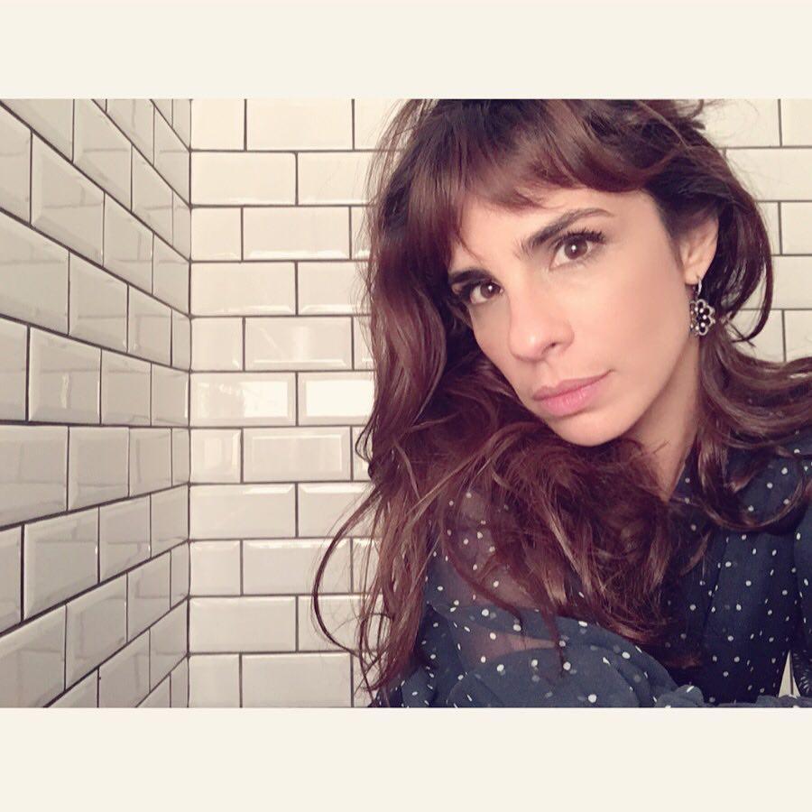 Atriz Maria Ribeiro é agredida por segurança de bar em Madri — VÍDEO