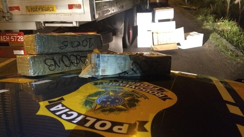 Caminhoneiro é preso com cerca de R$ 10 milhões escondidos em carga