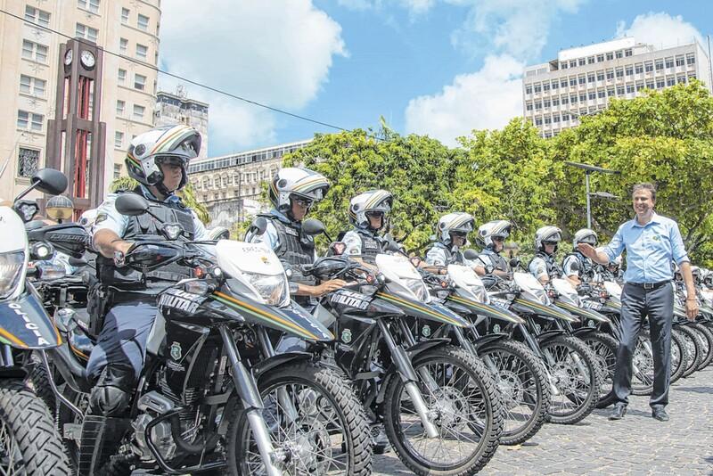 Resultado de imagem para 205 motos policiamento