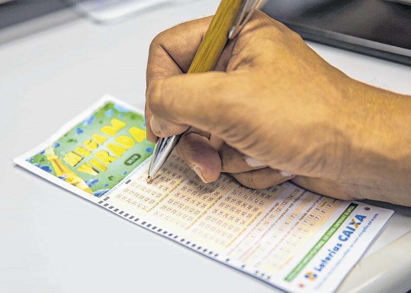 Mega-Sena da Virada sorteia maior prêmio da história: R$ 280 milhões
