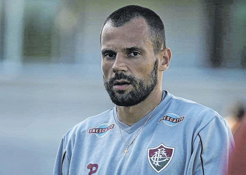 Fluminense dispensa Cavalieri, Henrique e outros seis jogadores