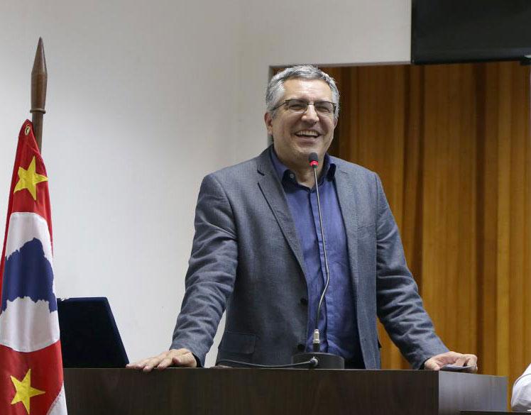 Presidente do TRF-4 promete telão para autoridades verem julgamento de Lula