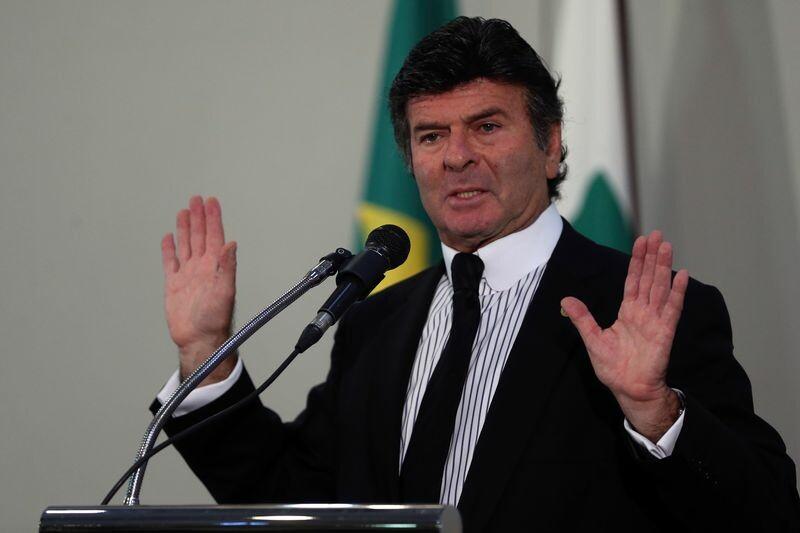 Resultado de imagem para Ficha suja está fora do jogo democrático', diz Fux ao assumir comando do TSE