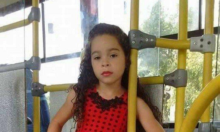 Menina de 7 anos morre após fazer 'desafio do desodorante'