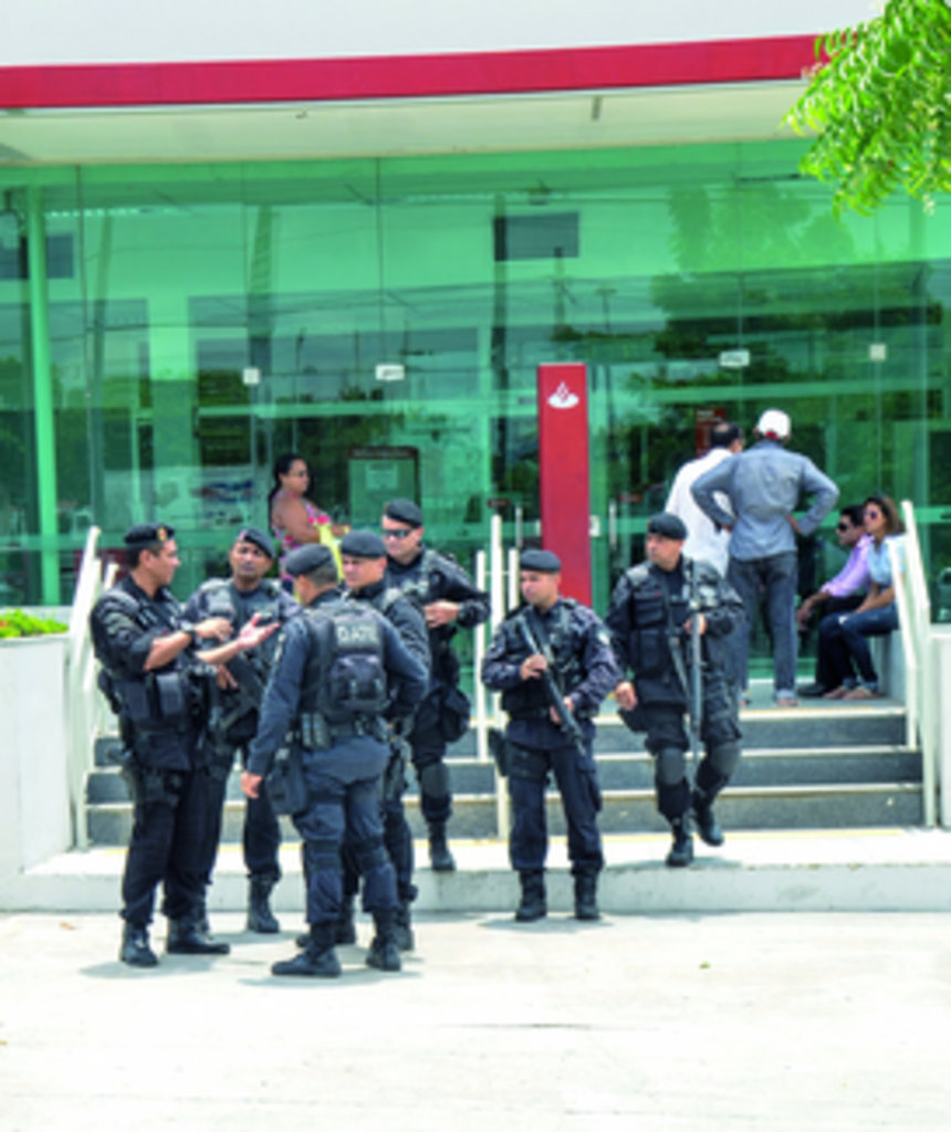 policiais militares do Gate
